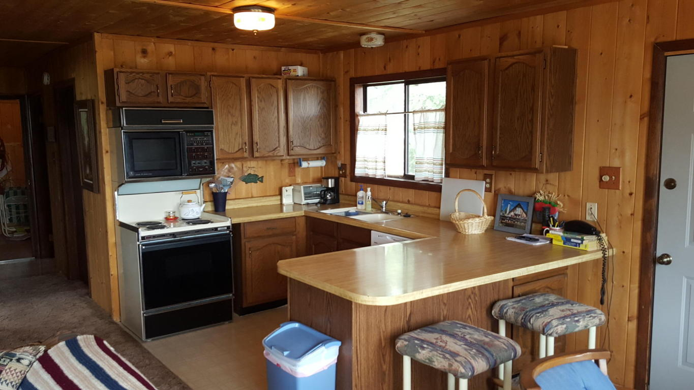 Cabin for sale overlooking Panguitch Lake