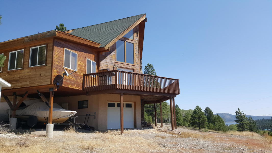 Year around cabin for sale at Panguitch Lake